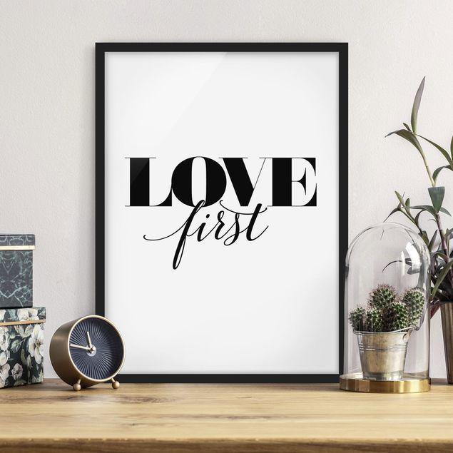 Bild mit Rahmen - Love first - Hochformat 3:4