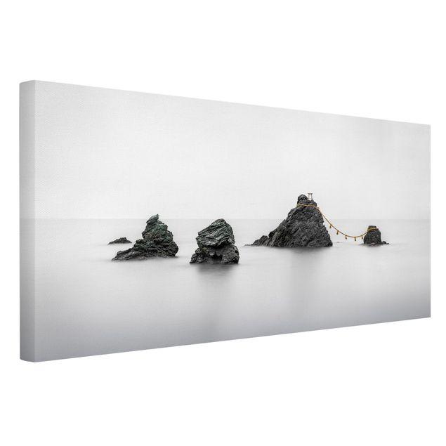 Leinwandbild - Meoto Iwa - die verheirateten Felsen - Querformat 2:1