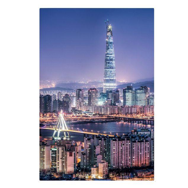 Leinwandbild - Lotte World Tower bei Nacht - Hochformat 2:3