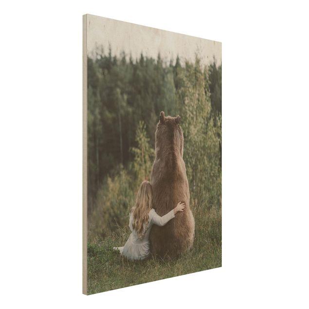 Holzbild - Mädchen mit Braunbär - Hochformat 4:3