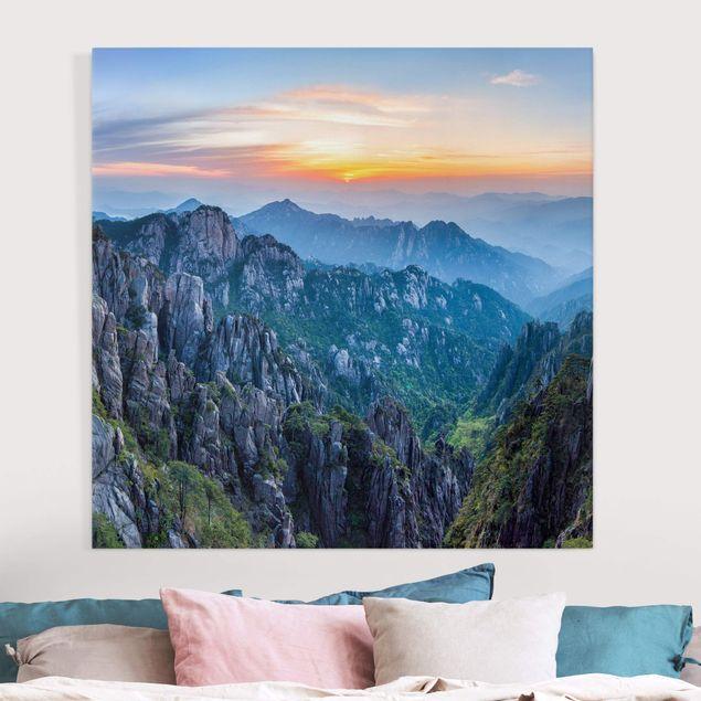 Leinwandbild - Sonnenaufgang über dem Huangshan Gebirge - Quadrat 1:1
