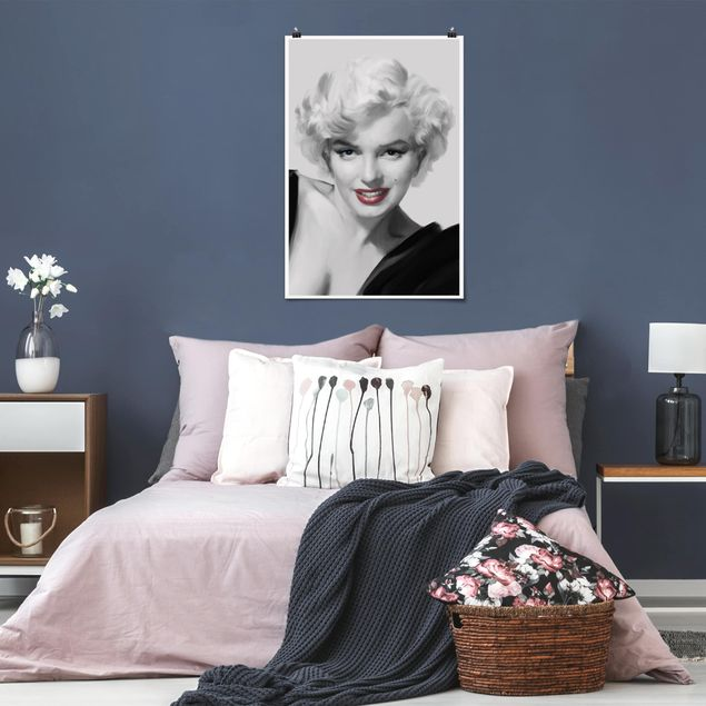 Poster - Marilyn auf Sofa - Hochformat 3:2