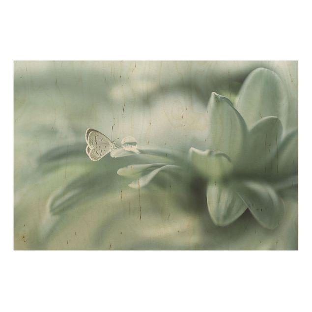 Holzbild - Schmetterling und Tautropfen in Pastellgrün - Querformat 2:3