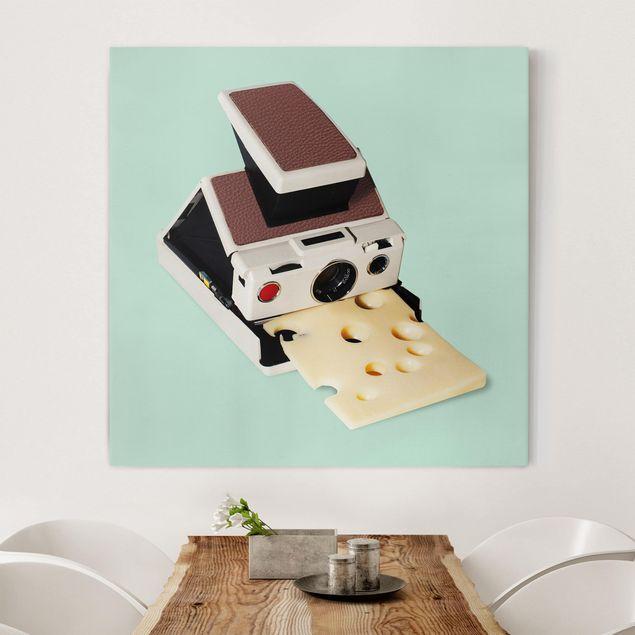 Leinwandbild - Jonas Loose - Kamera mit Käse - Quadrat 1:1