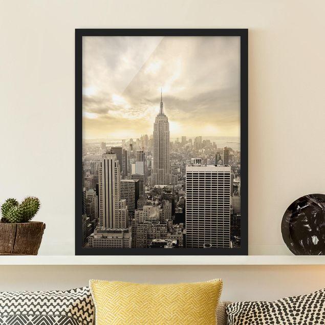 Bild mit Rahmen - Manhattan Dawn - Hochformat 3:4
