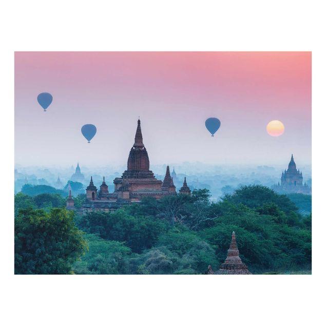 Glasbild - Heißluftballons über Tempelanlage - Querformat 4:3