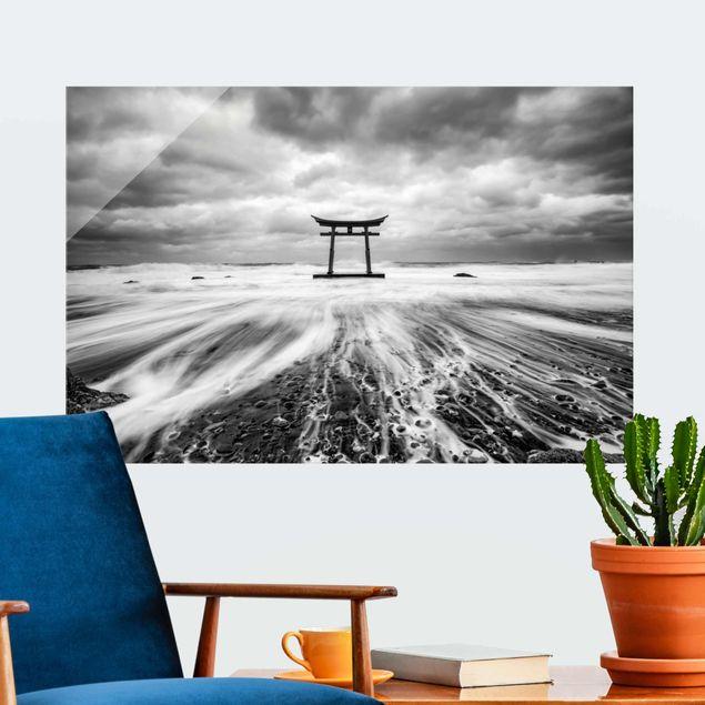 Glasbild - Japanisches Torii im Meer - Querformat 3:2