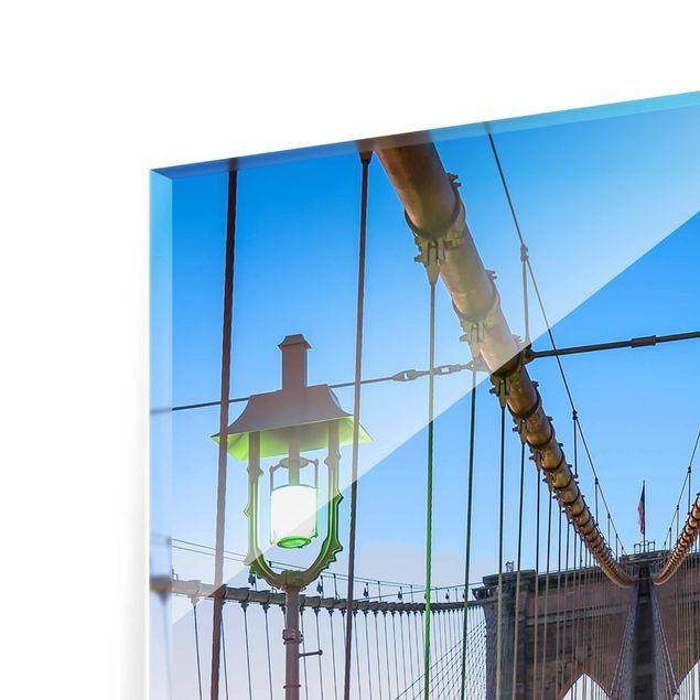 Glasbild - Morgenblick von der Brooklyn Bridge - Hochformat 2:3