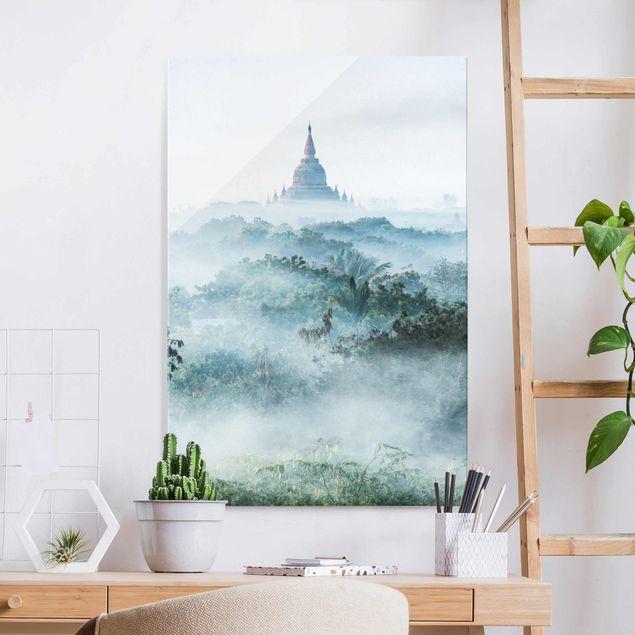 Glasbild - Morgennebel über dem Dschungel von Bagan - Hochformat 2:3