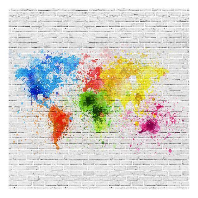 Beistelltisch - Weiße Backsteinwand Weltkarte