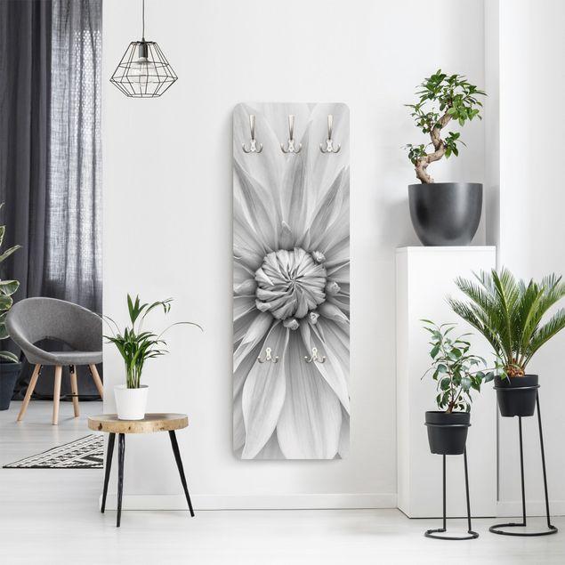 Garderobe - Botanische Blüte in Weiß