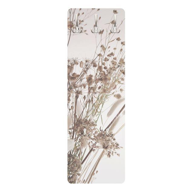 Garderobe - Bouquet aus Ziergras und Blüten