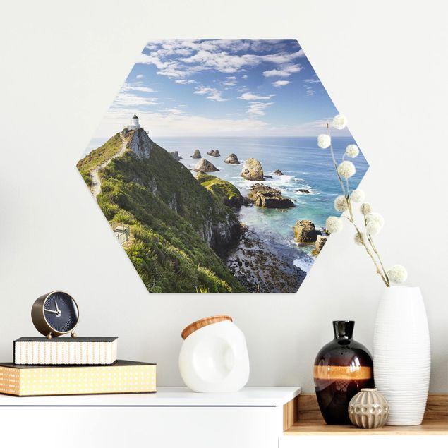 Hexagon Bild Alu-Dibond - Nugget Point Leuchtturm und Meer Neuseeland