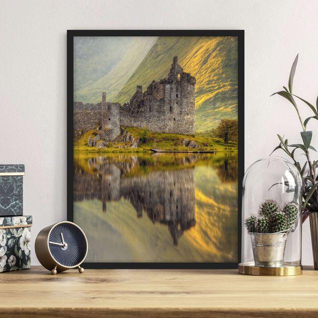 Bild mit Rahmen - Kilchurn Castle in Schottland - Hochformat 3:4