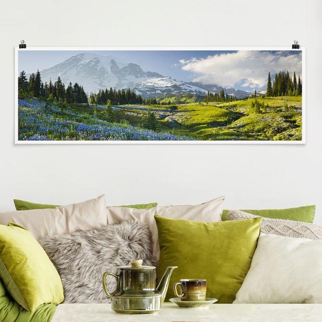 Poster - Bergwiese mit Blumen vor Mt. Rainier - Panorama Querformat