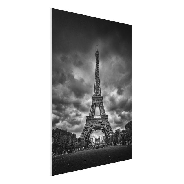 Forex Fine Art Print - Eiffelturm vor Wolken schwarz-weiß - Hochformat 4:3