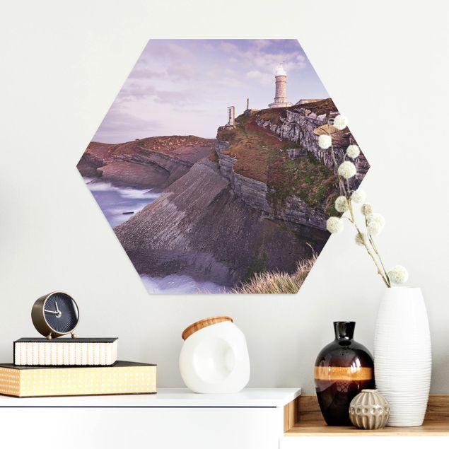 Hexagon Bild Alu-Dibond - Steilküste und Leuchtturm