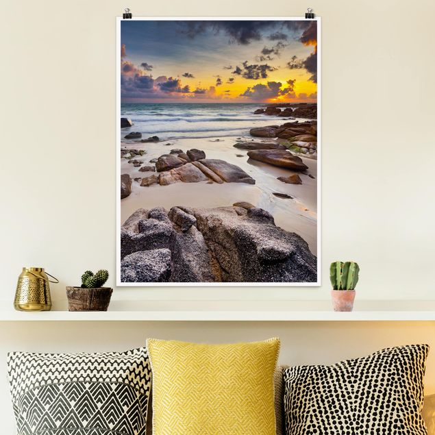 Poster - Strand Sonnenaufgang in Thailand - Hochformat 3:4