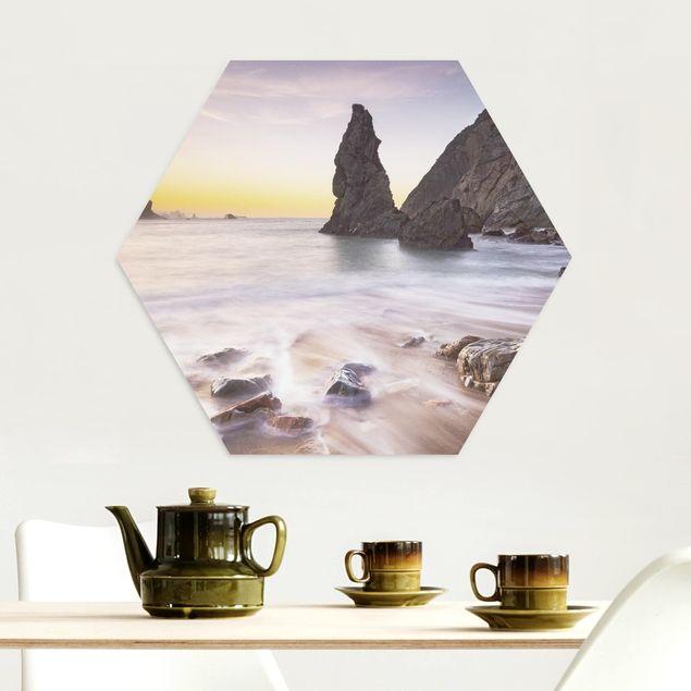 Hexagon Bild Alu-Dibond - Spanischer Strand bei Sonnenaufgang