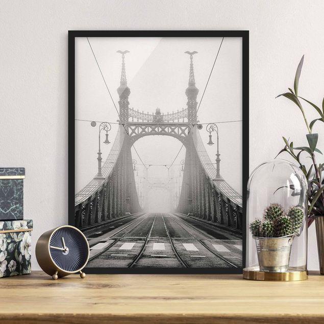 Bild mit Rahmen - Brücke in Budapest - Hochformat 3:4