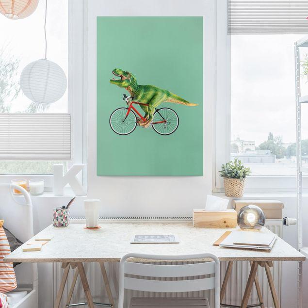 Leinwandbild - Jonas Loose - Dinosaurier mit Fahrrad - Hochformat 3:2