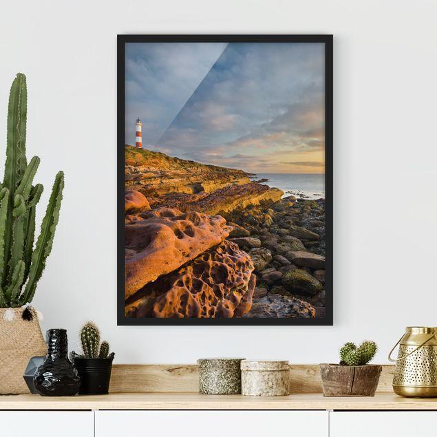 Bild mit Rahmen - Tarbat Ness Meer & Leuchtturm bei Sonnenuntergang - Hochformat 3:4