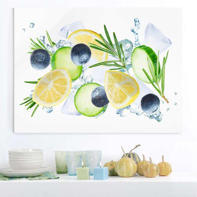 Glasbild - Blaubeeren Zitronen Eiswürfel Spash - Querformat 4:3