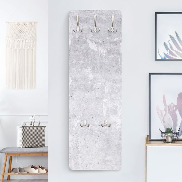 Garderobe - Hellgraue Betonstruktur