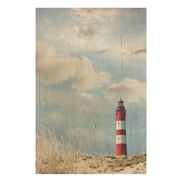 Wandbild Holz - Leuchtturm in den Dünen - Hoch 2:3