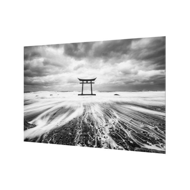 Spritzschutz Glas - Japanisches Torii im Meer - Querformat 3:2
