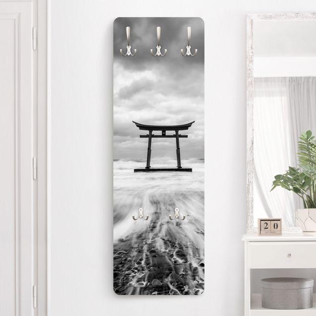Garderobe - Japanisches Torii im Meer