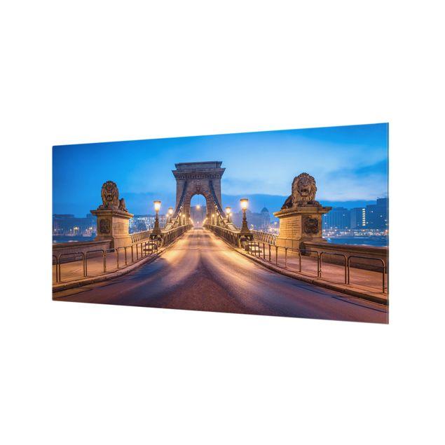 Spritzschutz Glas - Kettenbrücke in Budapest bei Nacht - Querformat 2:1