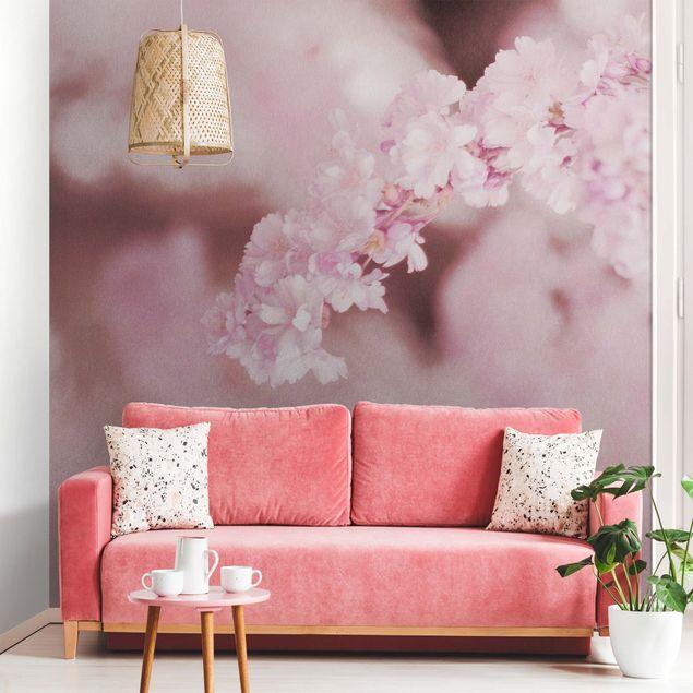 Metallic Tapete - Kirschblüte im Violetten Licht