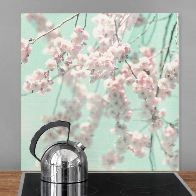 Spritzschutz Glas - Kirschblütentanz auf Leinenstruktur - Quadrat 1:1