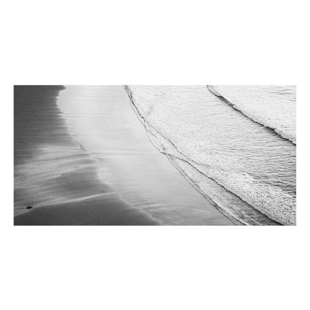 Spritzschutz Glas - Leichter Wellengang am Strand Schwarz Weiß - Querformat 2:1