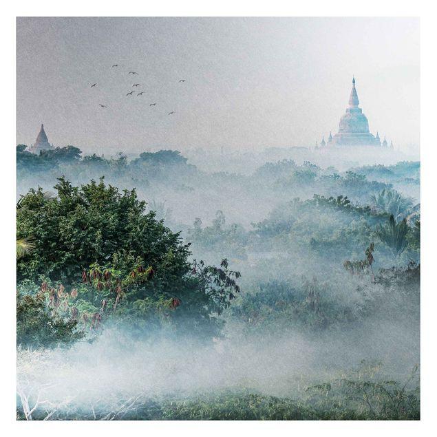 Metallic Tapete - Morgennebel über dem Dschungel von Bagan