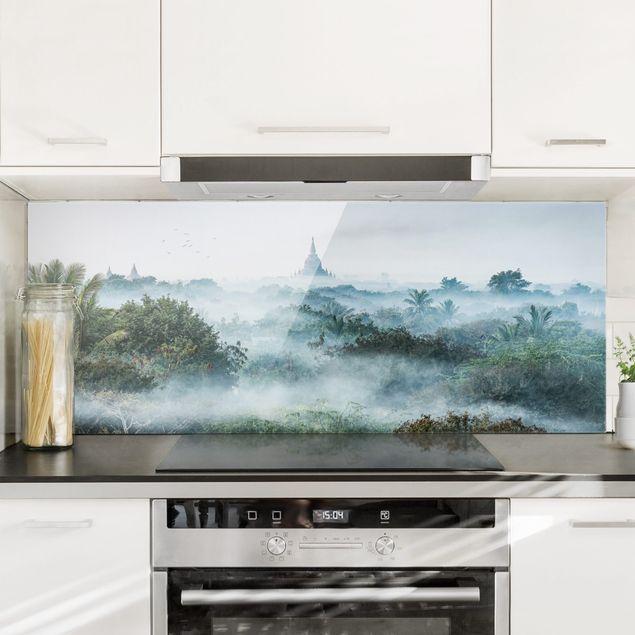 Spritzschutz Glas - Morgennebel über dem Dschungel von Bagan - Panorama 5:2