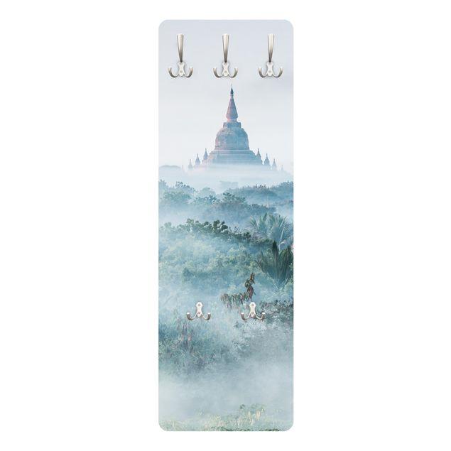 Garderobe - Morgennebel über dem Dschungel von Bagan