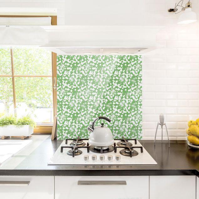 Spritzschutz Glas - Natürliches Muster Pusteblume mit Punkten vor Grün - Quadrat 1:1