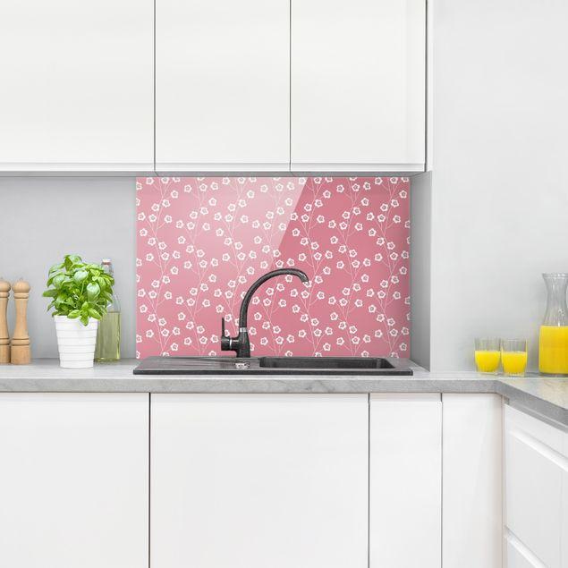 Spritzschutz Glas - Natürliches Muster zarte Blumen vor Rosa - Querformat 3:2