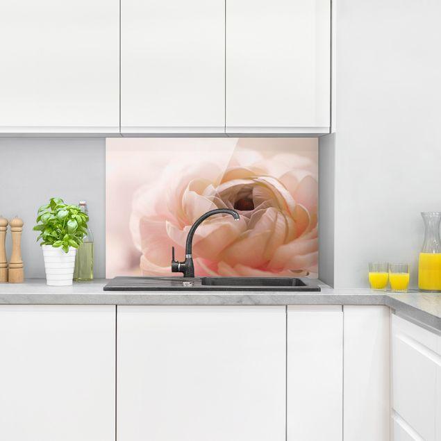 Spritzschutz Glas - Rosa Blüte im Fokus - Querformat 3:2