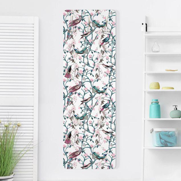 Garderobe - Rosa Blumenranken mit Vögeln in Blau