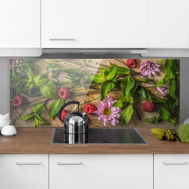 Spritzschutz Glas - Blumen Himbeeren Minze - Panorama Quer