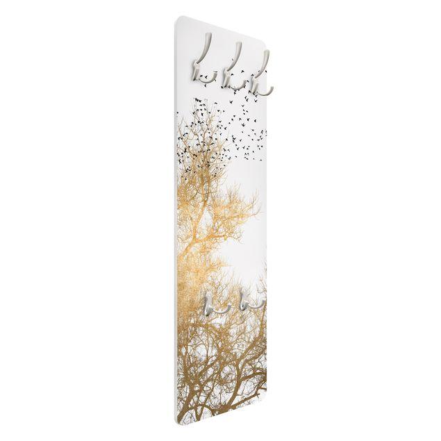 Garderobe - Vogelschwarm vor goldenem Baum