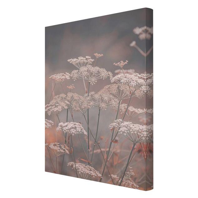 Leinwandbild - Wilde Doldenblüten - Hochformat 2:3