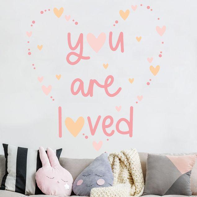Wandtattoo mehrfarbig Kinderzimmer - You are loved Herz Rosa