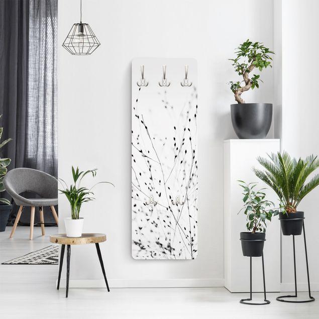Garderobe - Zarte Gräser im Schatten