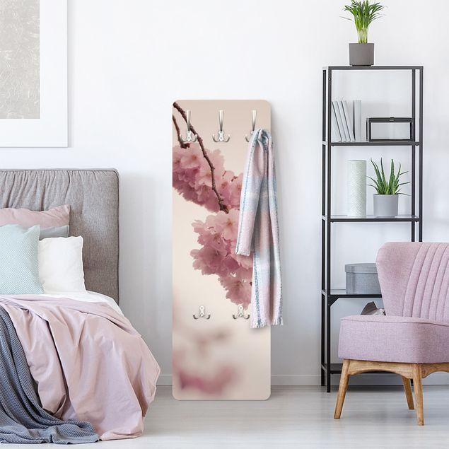 Garderobe - Zartrosane Frühlingsblüte mit Bokeh