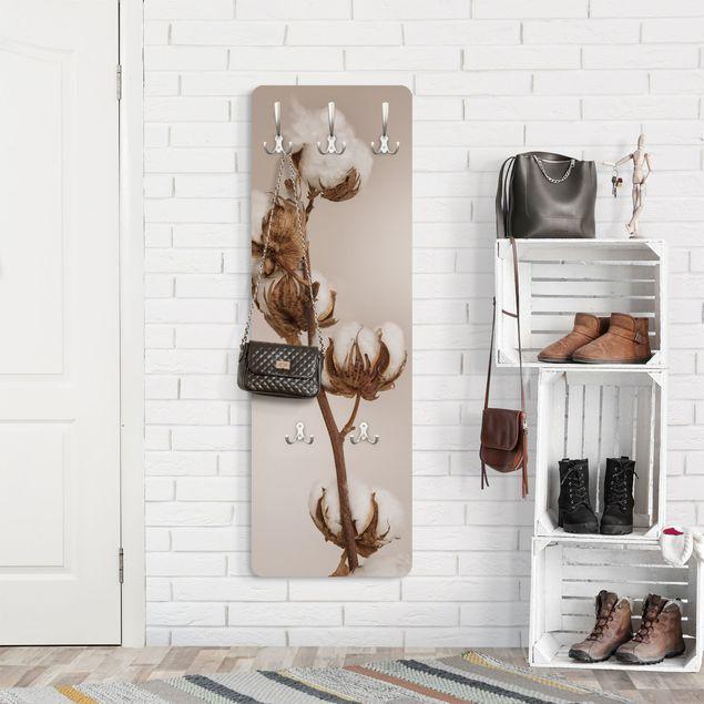 Garderobe - Zerbrechlicher Baumwollzweig